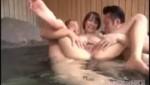 混浴温泉でオッサン達に迫られオマ○コ非粗化される巨乳美女!