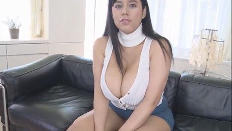スペイン生まれの日系美女がはち切れんばかりの爆乳Kカップで悩殺