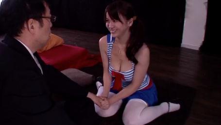 励ましながらパイズリしてチ○ポを鍛えてくれるHカップ爆乳美少女