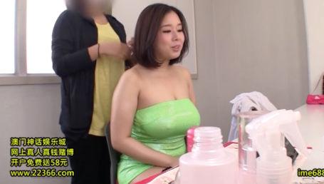 アナル絶対NGの爆乳巨尻のJカップ娘を肛門でイカせたら即アナルファック解禁