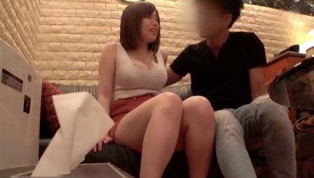 夫とのセックスに満足していないGカップ美巨乳人妻が出張ホストとSEXする様子を盗撮