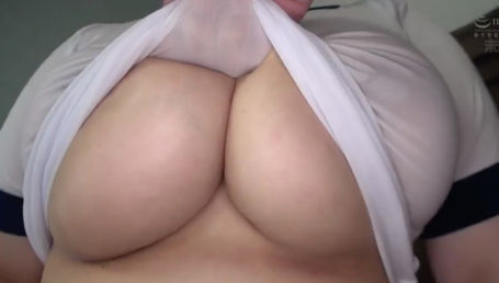 現役女子大生で超暴力的なホルスタイン乳Kカップ爆乳ちゃんの肉肉しいデカパイを弄ぶエロイメージビデオ