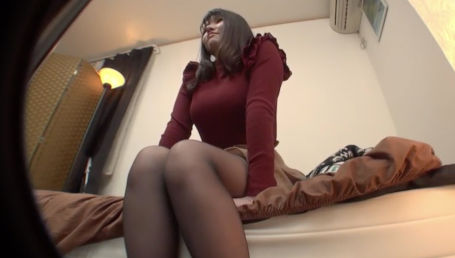 セックスレスで欲求不満な美人巨乳人妻に媚薬ラブグッズをお試し!抑え込まれた性欲が爆発して全身クリ化&理性崩壊