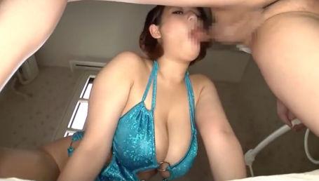 乳も尻も100cm超えのJカップデカ尻ボイン女がボディコンでムチムチボディ強調してチ○ポ喰い