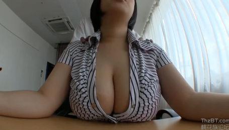 ムッチムチのJカップ爆乳女子がパワハラで部下を誘惑して会社で痴女りまくる