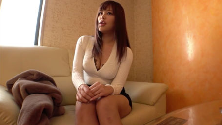 長身Iカップのナイスバディハーフ美女とハメ撮り!上も下も超タイトな服装で身体のラインが出まくりでエロい!