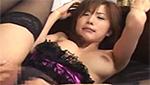 セクシーな黒ランジェリー姿が燃える美巨乳美女とのいやらしいセックス!