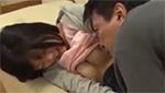 巨乳の愛娘に襲いかかってレイプするとんでもない父親!