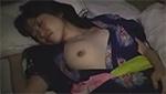 おっぱいモロ出して寝てる浴衣娘に夜這いかけたらフェラしてくれた!