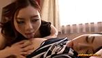 寝てる巨乳娘を脱がして乳首を愛撫するレズ女