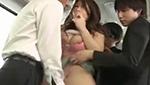 爆乳嫁が痴漢されているところを見たがる夫に応える爆乳美人妻